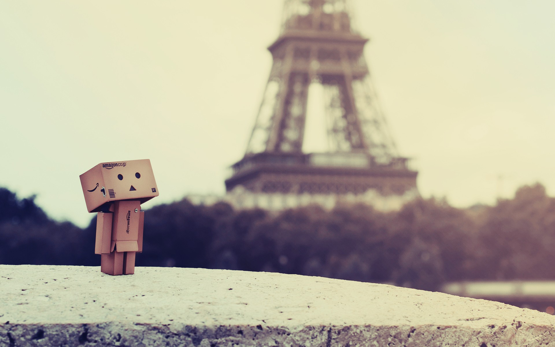 Danbo On Eiffel Tower Paris Wallpaper HD