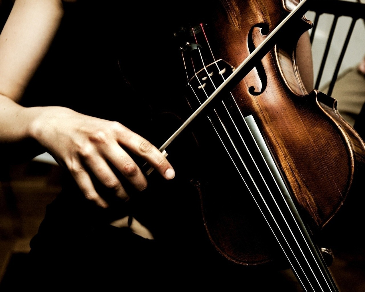 Playing Violin Instrument Wallpaper