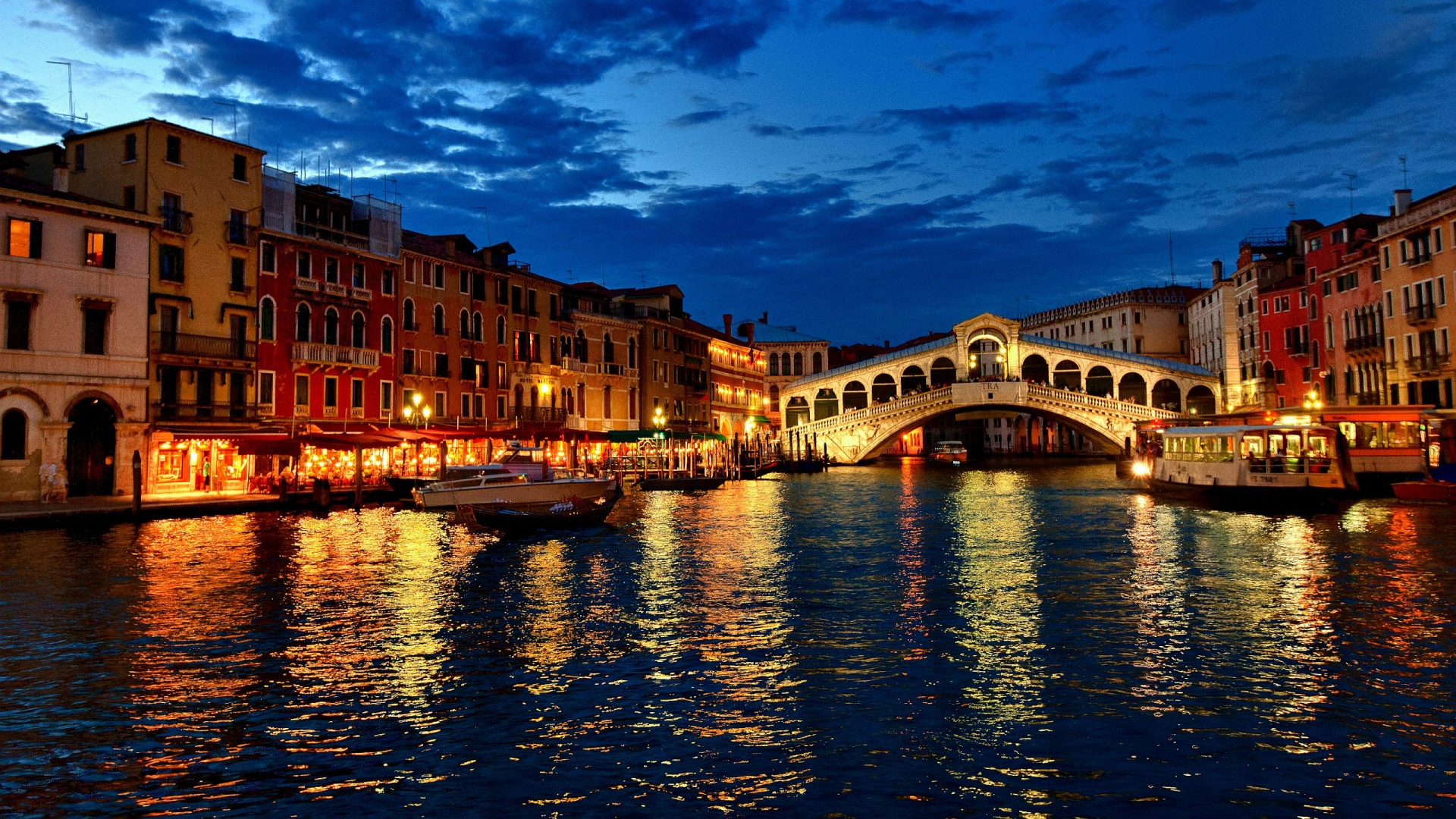 Romantic Venice Night Wallpaper