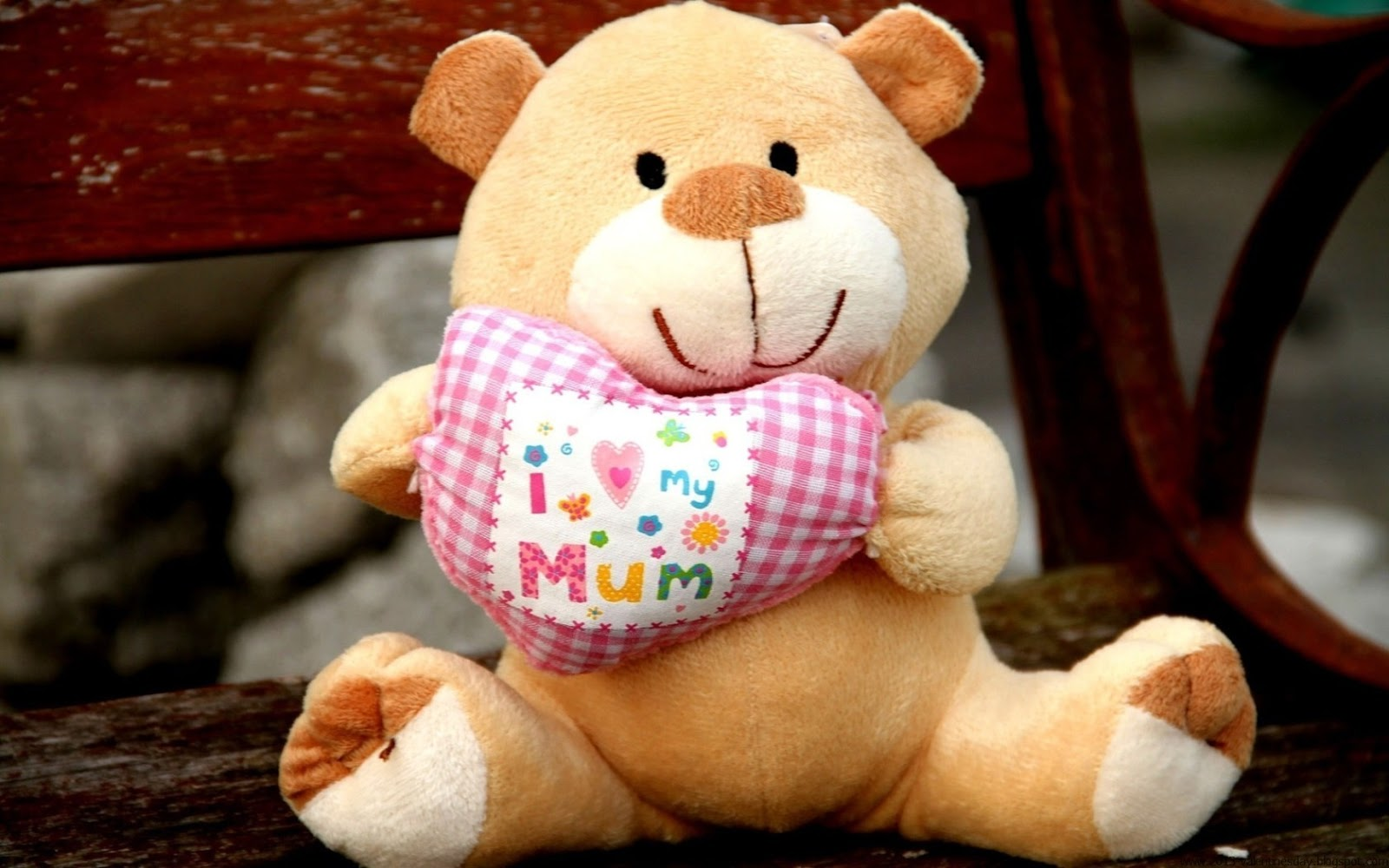 Cute I Love My Mom Teddy Bear Wallpaper